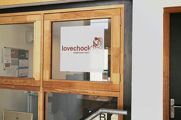 LOVECHOCK_02