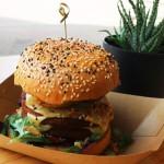 ジャンク&ジューシーなヴィーガン・バーガー / Vegan Junk Food Bar