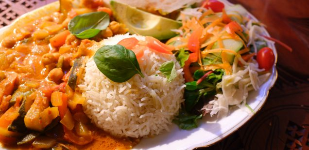 """リビングルームのような居心地と温かさを提供するアフロイタリアンレストラン""""Ataya Caffe"""""""